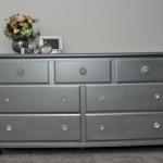 Den sølvfarvede eller grå spraymaling er en udmærket farve at bruge