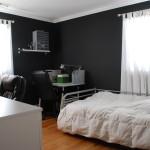 Soveværelse med sorte vægge
