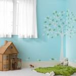 Børneværelse med træ som motiv